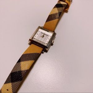 Burberry Classic Petite Watch